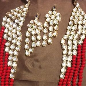 Jewelry - Kundan jewelry red